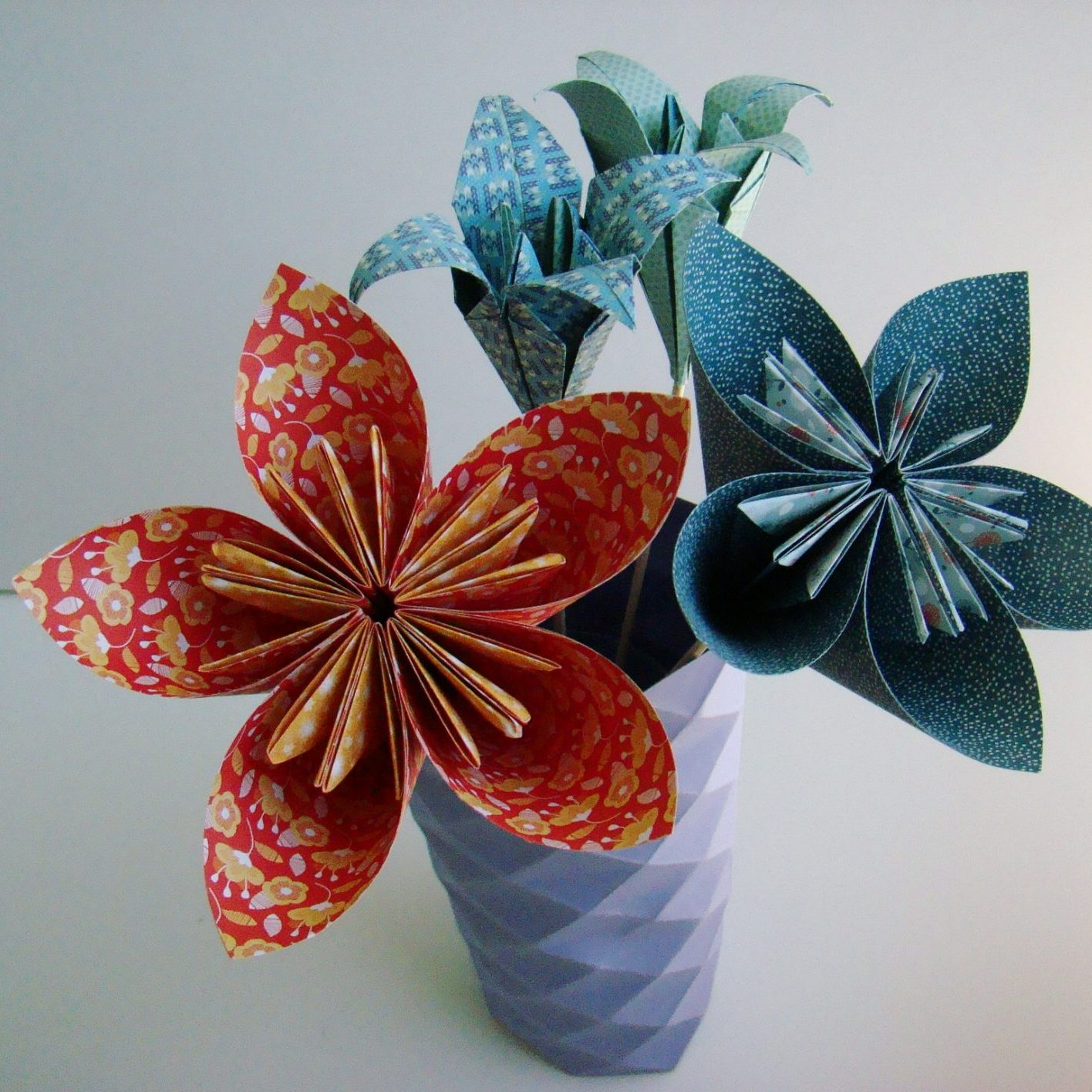 tuto fleur origami top tuto fleur origami with tuto fleur. Black Bedroom Furniture Sets. Home Design Ideas
