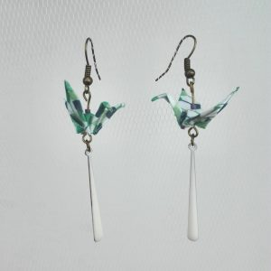 Boucles d'oreille GRUE SEQUIN GOUTTE Vert blanc